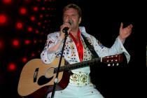 Elvis chanté en direct par Alain