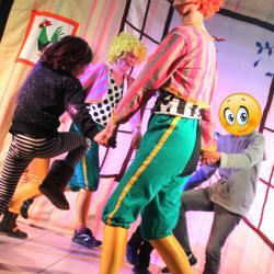 Clowns anim dance