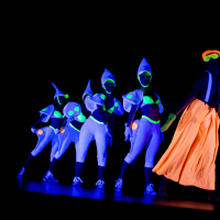 Clowns blancs - tableau en lumières noires