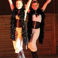 Duo filles du saloon